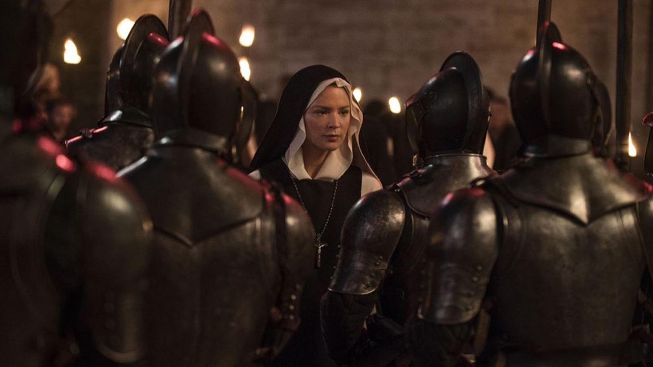 Virginie Efira en soeur hantée par un mysticisme fiévreux et des désirs qui n'ont rien de… catholiques.