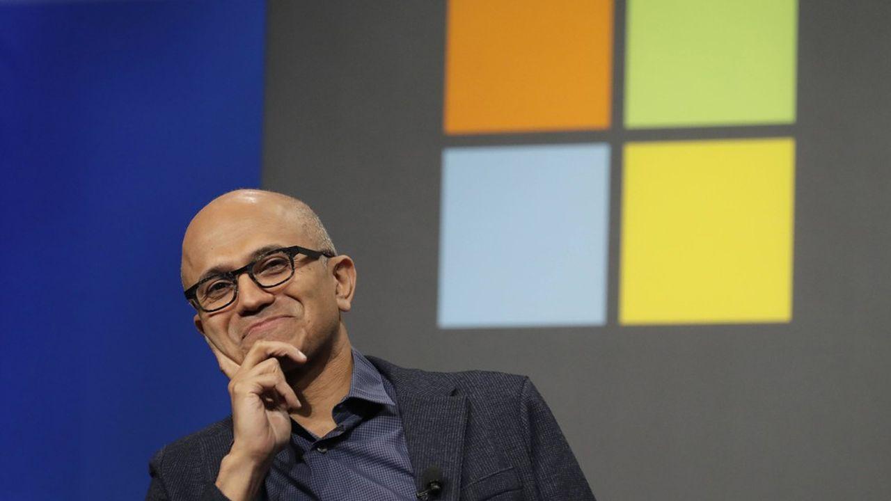 «Le monde a besoin d'une plateforme plus ouverte, d'une plateforme qui autorise les applis à devenir elles-mêmes des plateformes», a cinglé dans une vidéo Satya Nadella, le PDG de Microsoft.