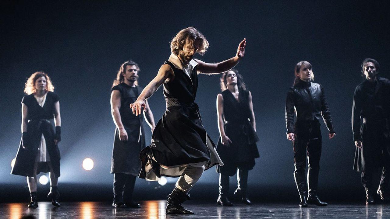 En puisant dans le passé, la danse s'écrit une histoire au présent.