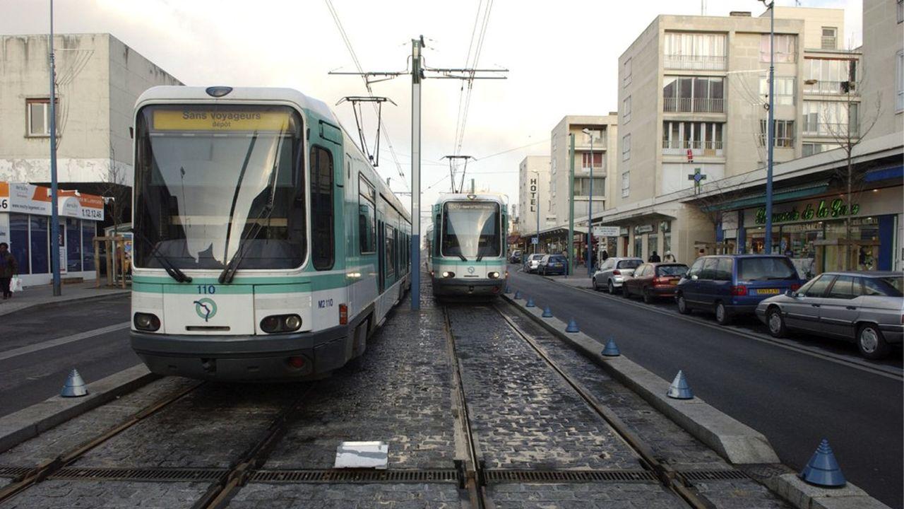 Le prolongement de l'axe, partant de Bobigny jusqu'à Val de Fontenay prévoit l'implantation de 10 nouvelles stations