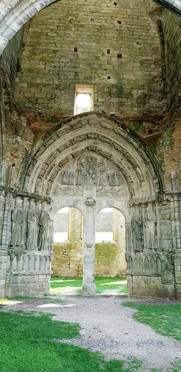 La basilique de Larchant