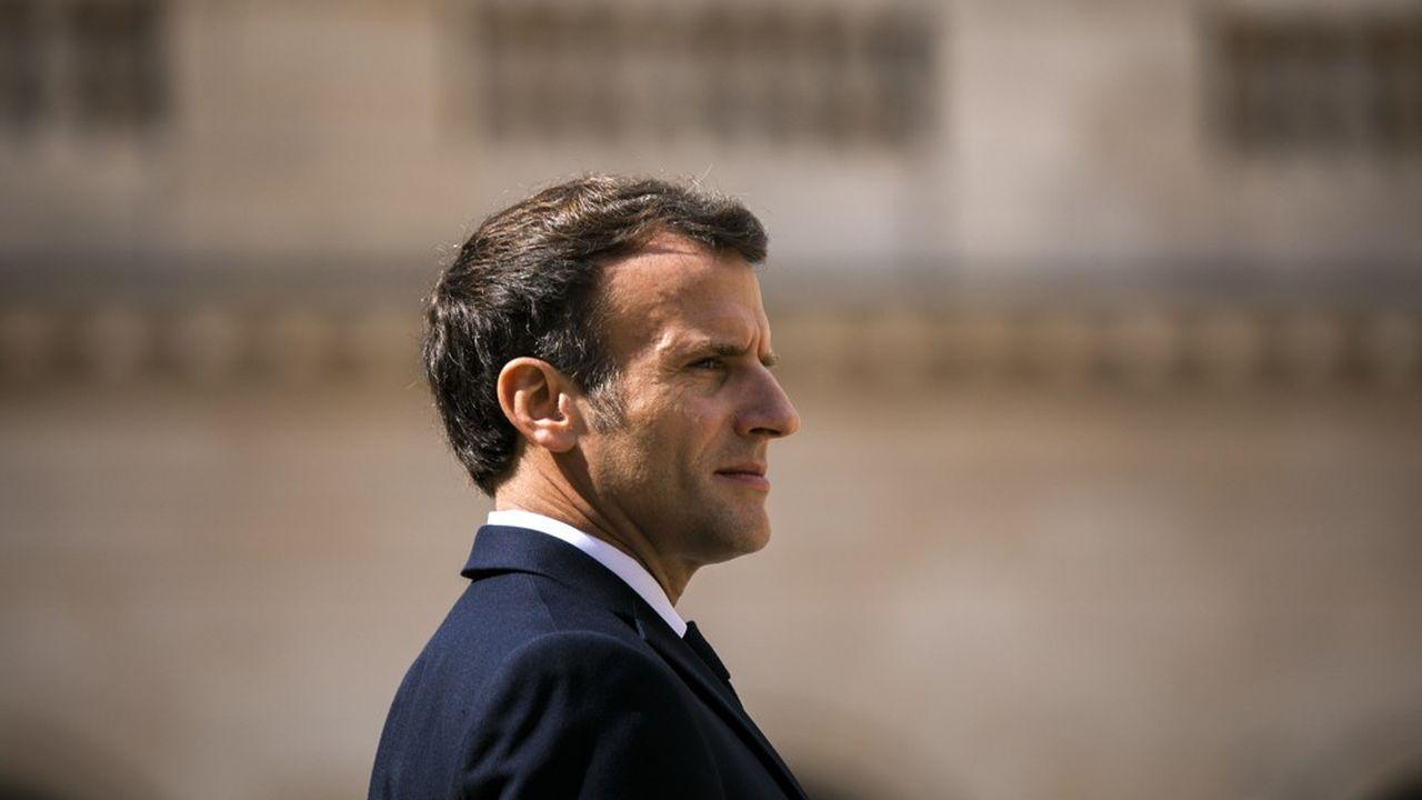 A moins d'un an de l'élection présidentielle, Emmanuel Macron bénéficie d'une cote de confiance supérieure de 20 points (36% contre 16%) à celle de François Hollande à la même période de son quinquennat.