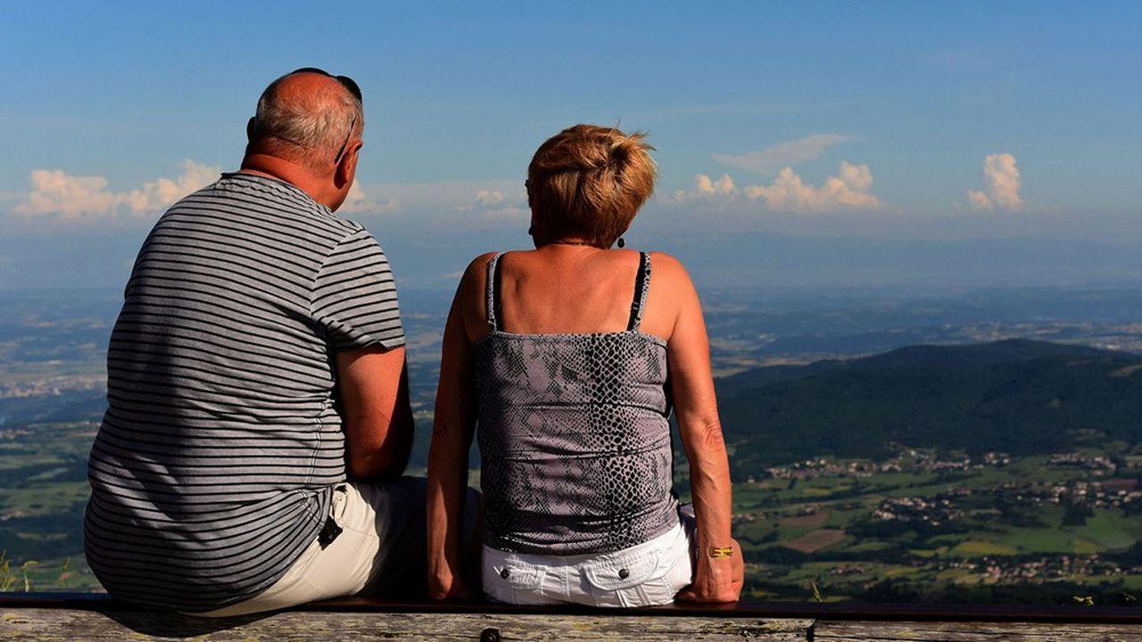 Seuls 20% des Français interrogés sont favorables à un relèvement de l'âge légal de départ à la retraite, selon notre sondage Elabe.