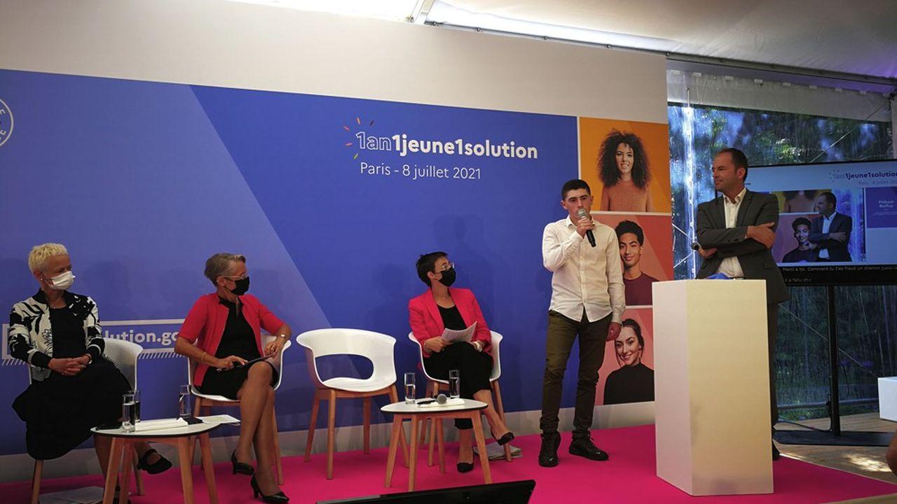 Le plan jeunes, lancé il y a un an face à la crise, a «rempli sa mission» en aidant «2millions de jeunes», a affirmé ce jeudi la ministre du Travail, Elisabeth Borne.