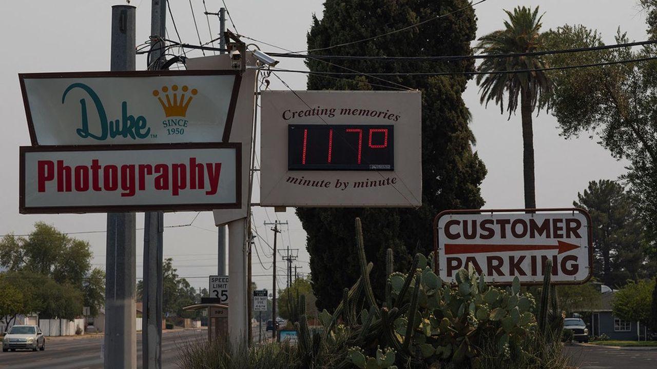 Le 15juin, le thermomètre affichait à Phoenix (Arizona) une température égale à 117 degrés Fahrenheit (soit 47 degrés Celsius).