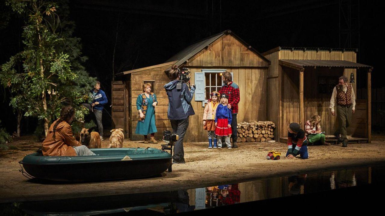 L'angoisse monte dans la petite famille installée aux confins de la Sibérie.