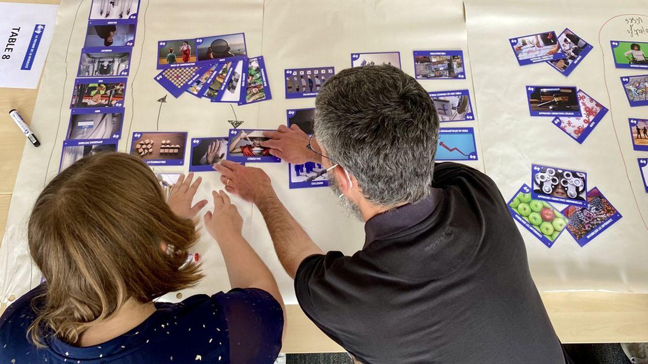 Les intervenants de grandes écoles ont testé la Fresque de la diversité imaginée par l'Essec.