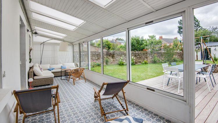 Cette maison de 175 m² bénéficie d'un jardin de 436 mètres carrés.