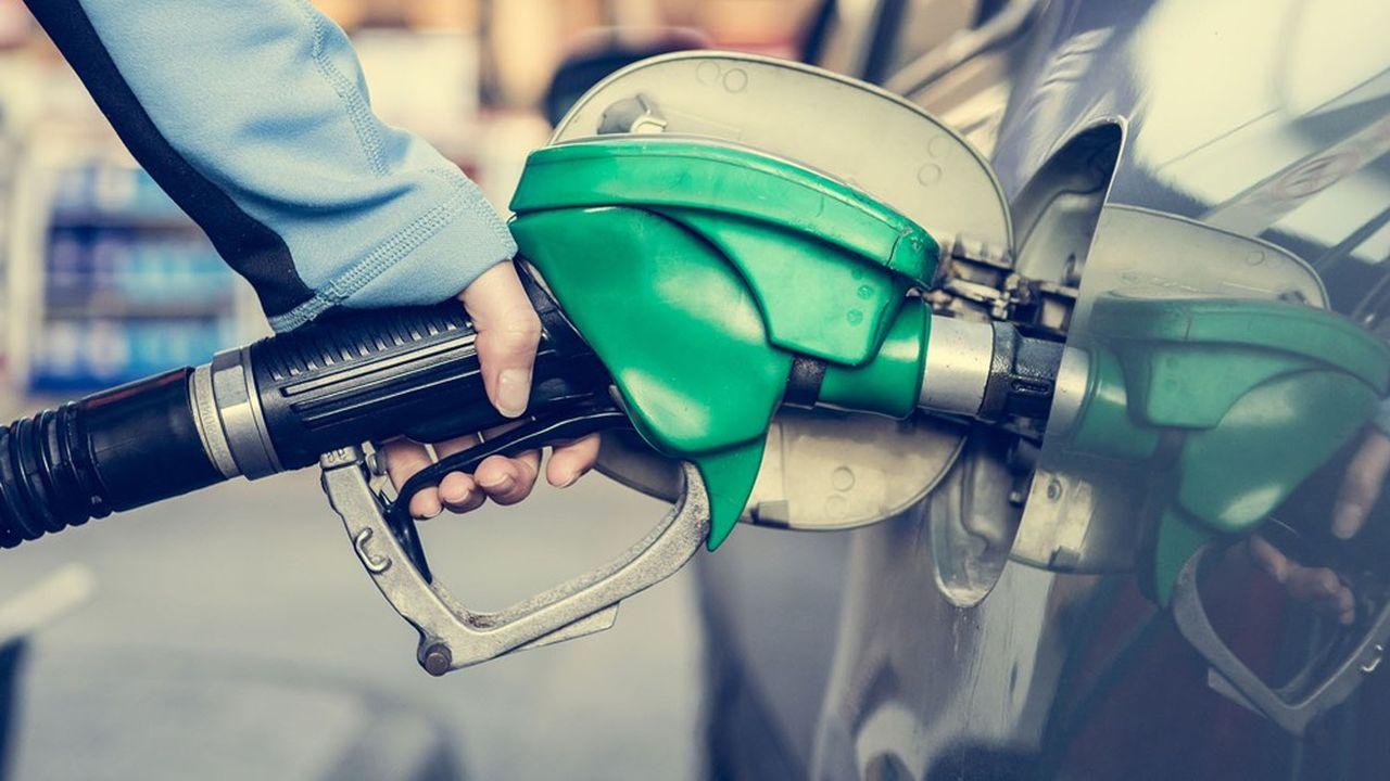 Malgré la hausse des prix du pétrole, le pouvoir d'achat des Français devrait augmenter cette année selon l'Insee.