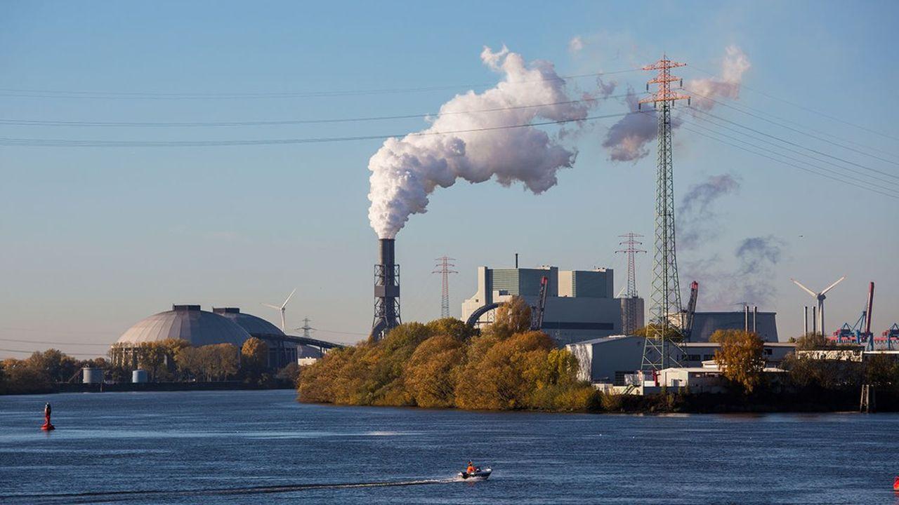 Au nord de Hambourg, en bordure de l'Elbe, la centrale au charbon deMoorburg qui fournissait l'électricité d'une usine de Trimet a fermé cette année.
