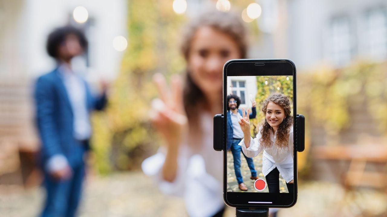 Après Reels d'Instagram, qui appartient au groupe Facebook, Youtube, propriété de Google se met aux vidéos virales avec Shorts.