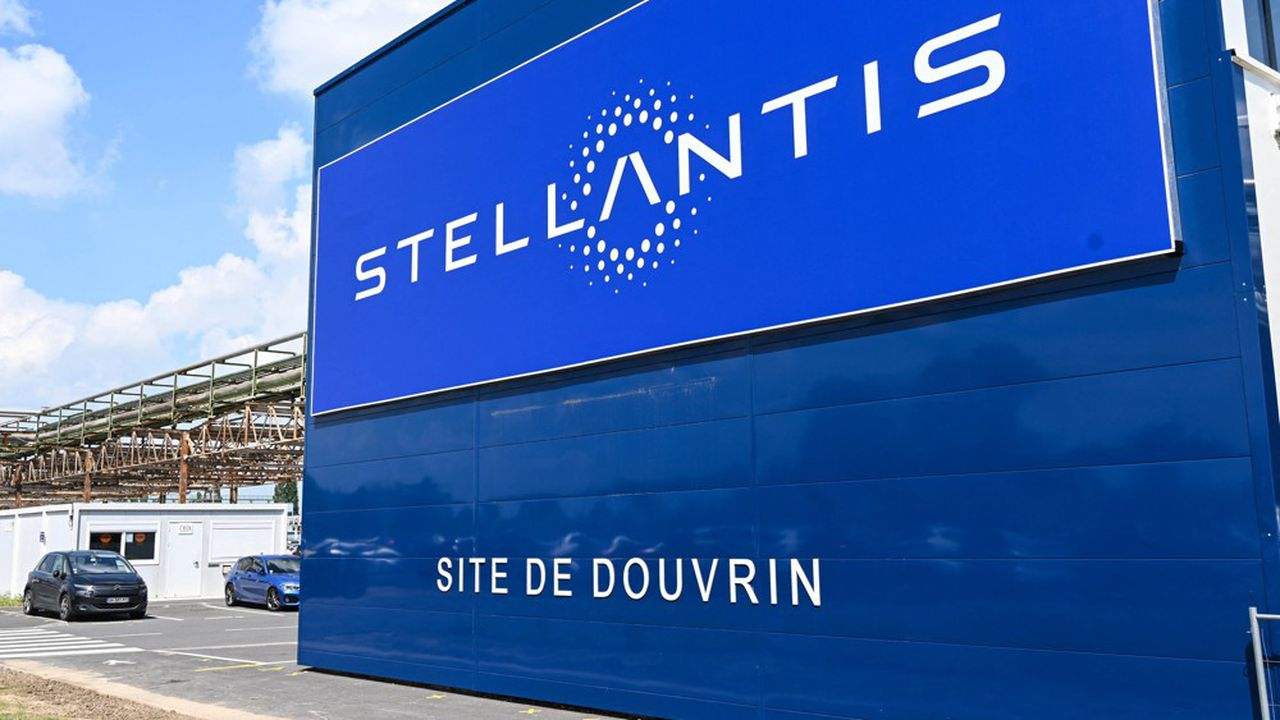Menacés par l'extinction programmée des moteurs thermiques, les salariés de l'usine Stellantis de Douvrin vont bénéficier de la construction à proximité d'une «gigafactory» de batteries.