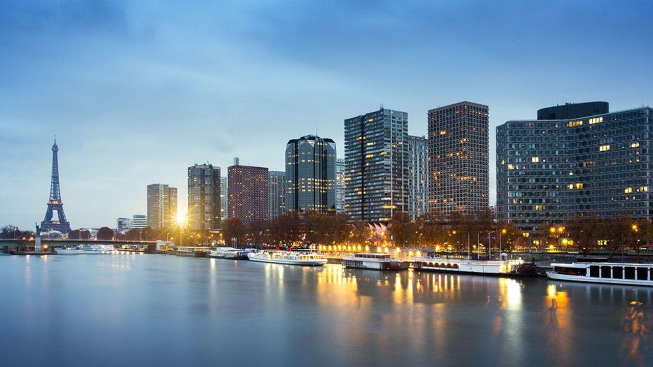 Le nord du XVe arrondissement de Paris, situé à proximité du très chic VIIe, est convoité, mais le sud de l'arrondissement se dynamise également.