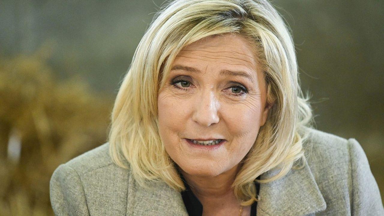 Marine Le Pen fustige un «recul grave des libertés individuelles».