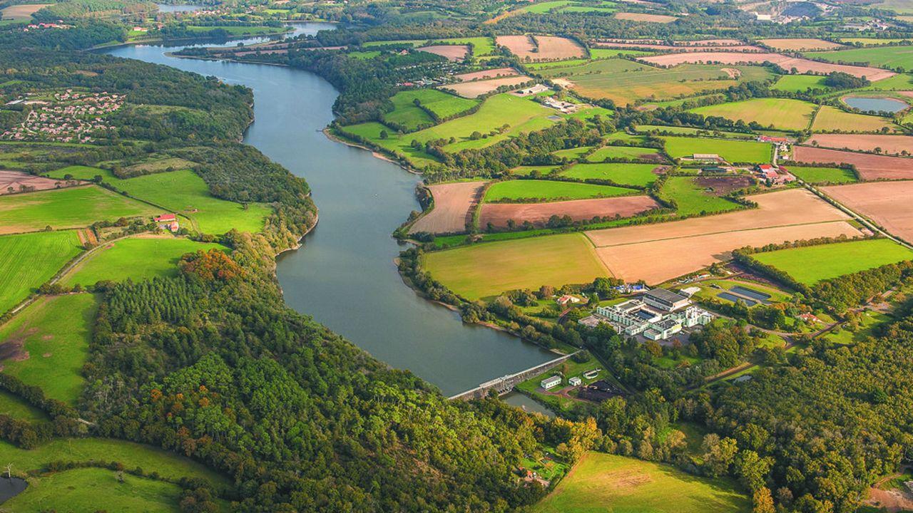 Le lac du Jaunay en Vendée est une réserve d'eau potable de 3,7millions de mètres cubes.
