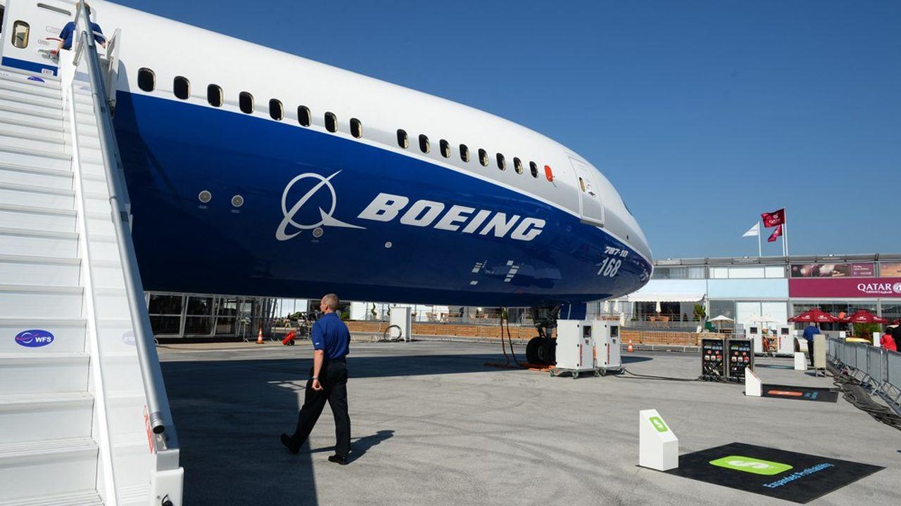 Boeing déclare que les livraisons des long-courriers 787 Dreamliner sont totalement suspendues à l'heure actuelle.