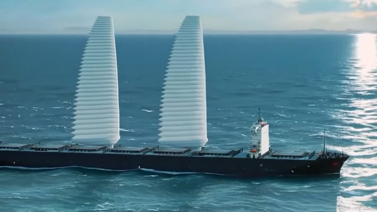 Avec son système de voile rétractable Wisamo, le groupe Michelin ambitionne d'équiper en 2022 un premier bateau de transport maritime d'une voile rétractable avec jusqu'à 20% d'économie d'énergie selon les conditions météorologiques.
