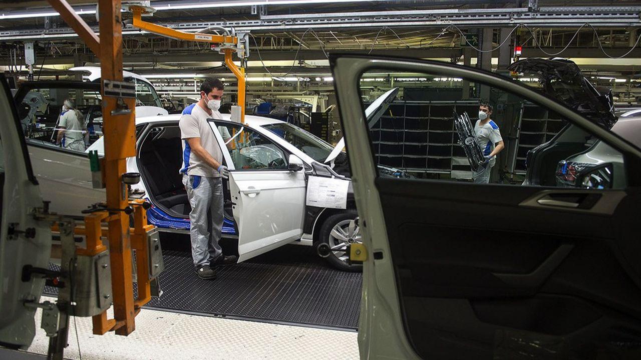 Madrid a annoncé mardi l'injection de 4,3milliards d'euros de fonds publics d'ici à 2023 pour impulser la transformation de l'industrie automobile espagnole.