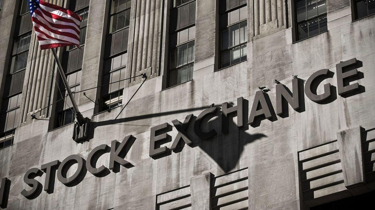 Les escrocs 2.0 et les pirates informatiques s'attaquent à la forteresse Wall Street pour percer ses secrets et dérober ses informations.