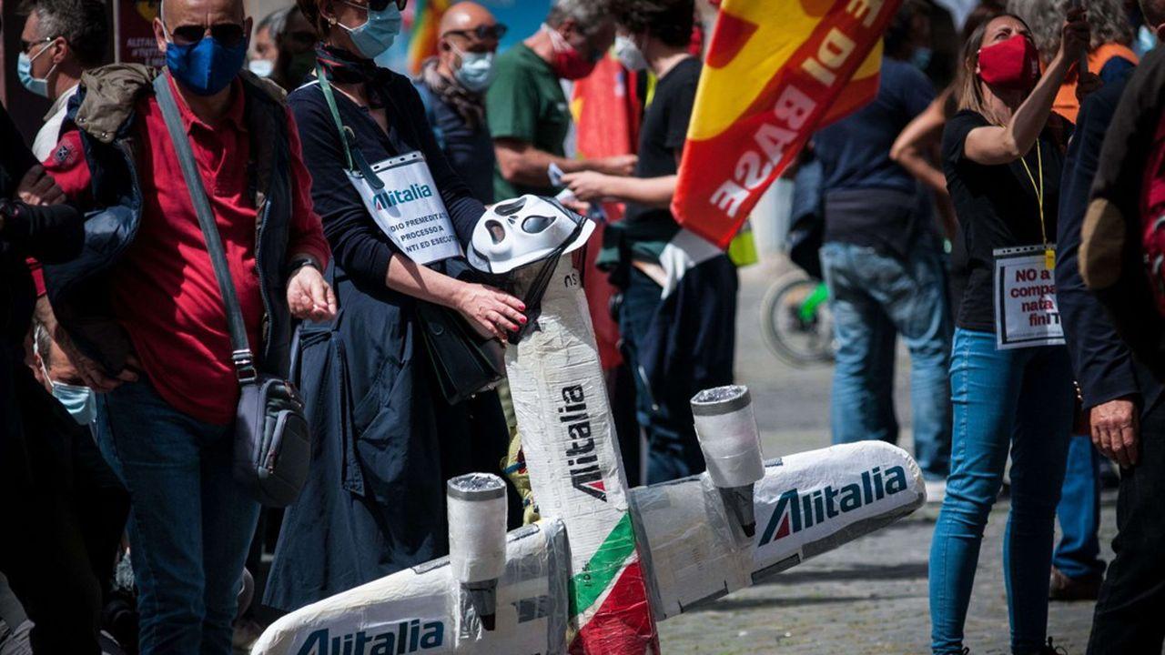 Les négociations entre la Commission européenne et le gouvernement italien durent depuis plusieurs mois au sujet du plan de sauvetage de la compagnie aérienne Alitalia.