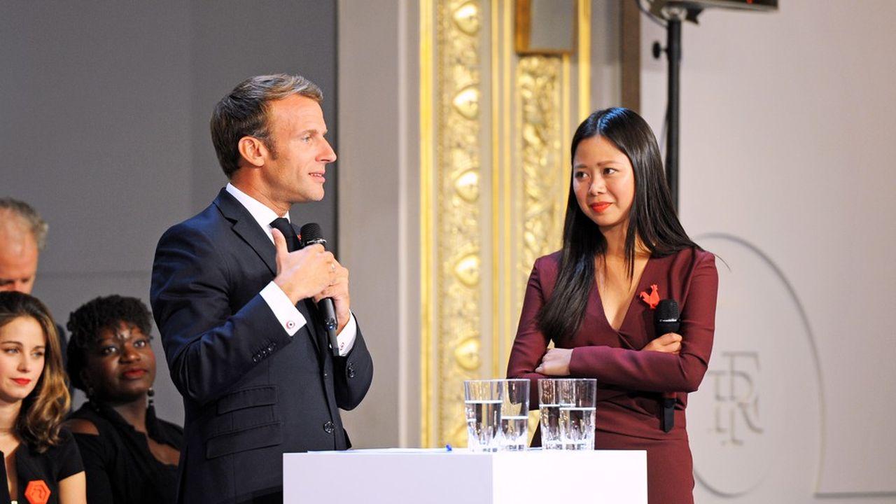 Kat Borlongan aux côtés d'Emmanuel Macron, lorsqu'elle était directrice de la Mission French Tech.