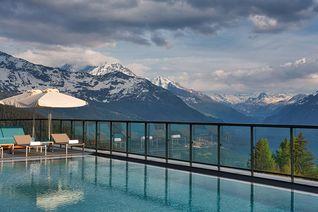 A près de 2.000 m d'altitude, une vue sublime sur les massifs.