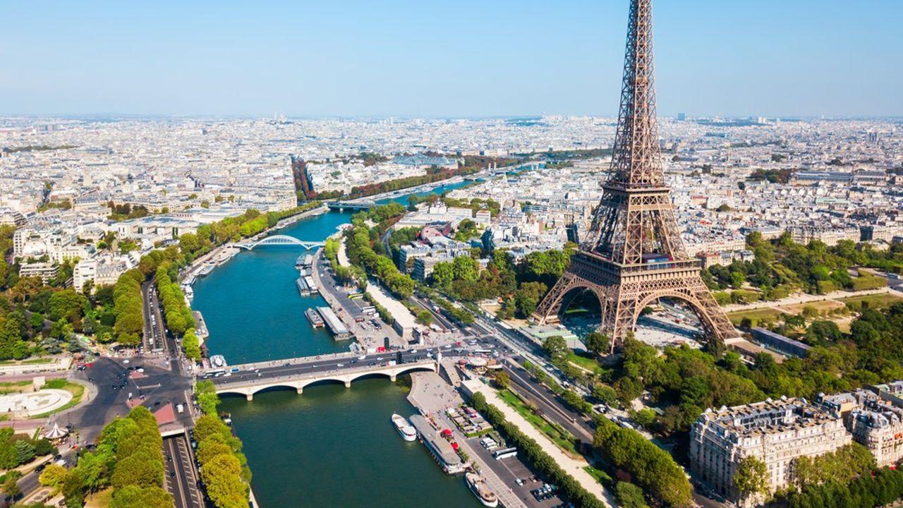 Les 70.000 billets déjà vendus pour visiter la Tour Eiffel ont été achetés à 50% par des Français et 50% par des étrangers.