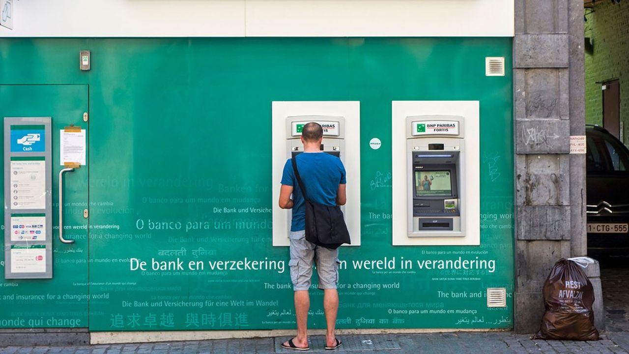 Le principal projet est celui de Batopin, réunissant Belfius, BNP Paribas Fortis, ING et KBC. Ces banques détiennent 73% des distributeurs automatiques du pays.