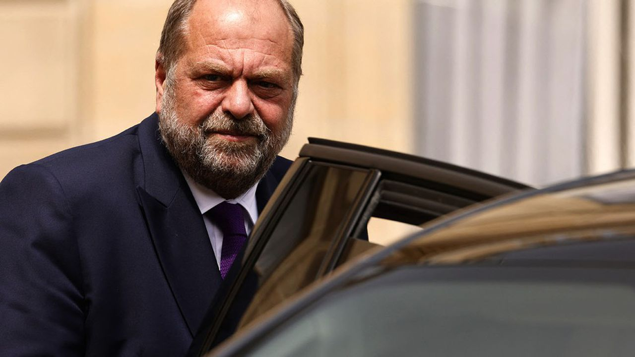Le ministre de la Justice, Eric Dupond-Moretti, a été mis en examen dans le cadre d'une enquête pour soupçons de prise illégale d'intérêts, ont annoncé vendredi ses avocats qui ont fait savoir qu'ils contesteraient cette décision.