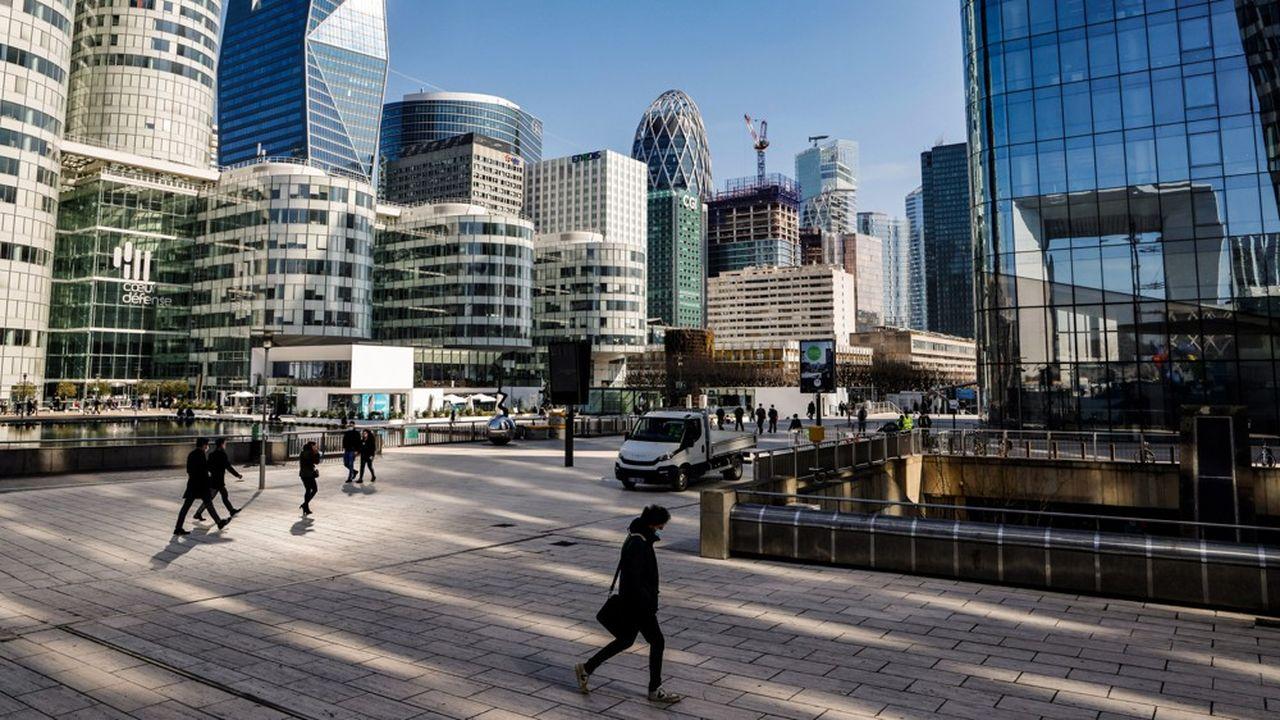 La Défense reste attrayante pour les entreprises, mais le taux de vacance des bureaux pourrait y atteindre entre 18% et 20% d'ici à la fin de l'année.