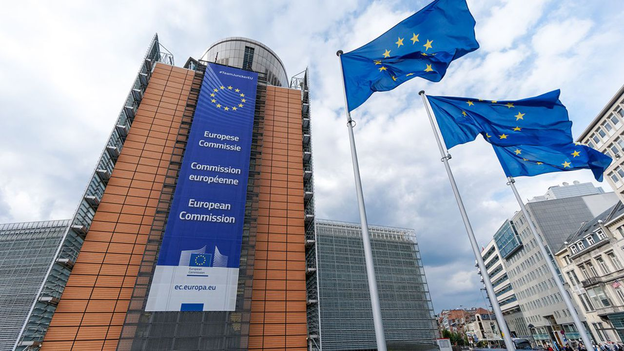 La Commission européenne peine à endiguer le blanchiment d'argent en dépit de nombreuses initiatives législatives.