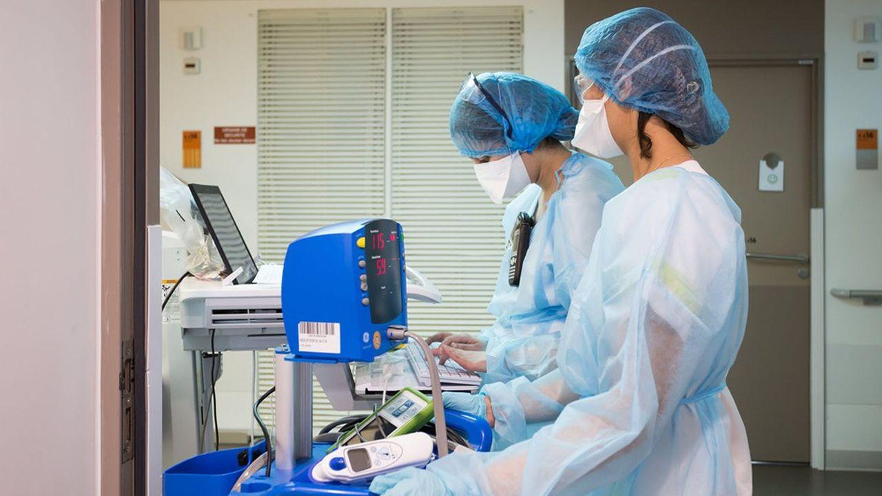 Avant l'entrée en vigueur de l'obligation vaccinale, le 15septembre, les personnels de santé non-vaccinés devront fournir un test pour travailler.
