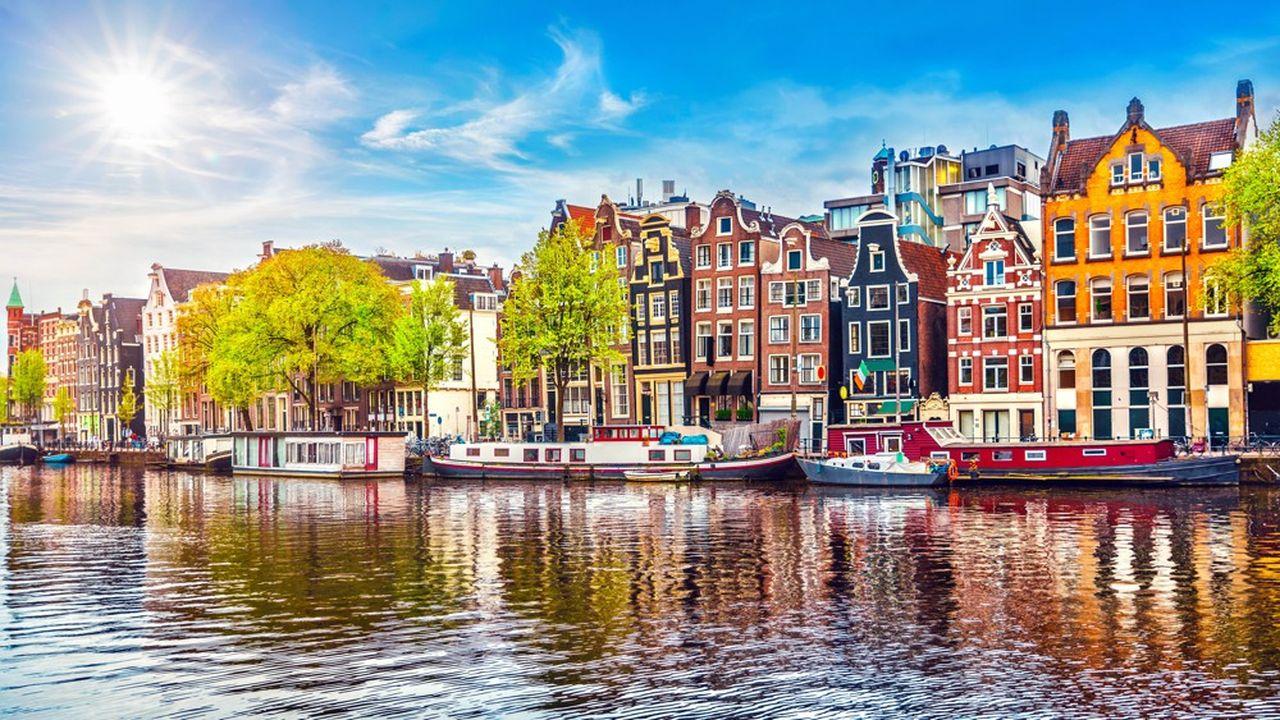 Aux Pays-Bas, les prix à l'achat sont supérieurs de 14,3% à la tendance moyenne sur le long terme et de 15,3% à la location, selon Oxford Economics.