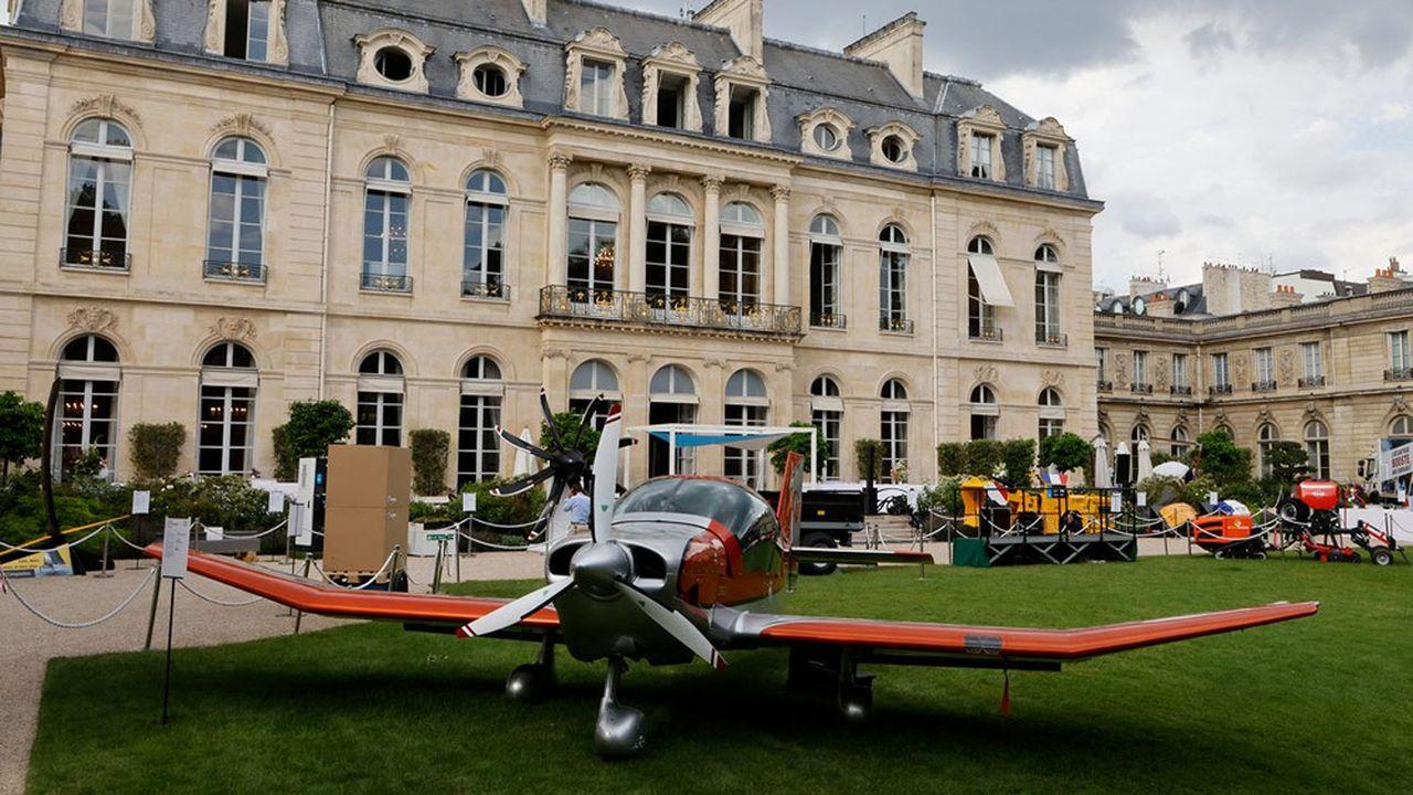 Un DR 401 fabriqué en bois, à la main, a été retenu pour l'exposition du Fabriqué en France, début juillet.