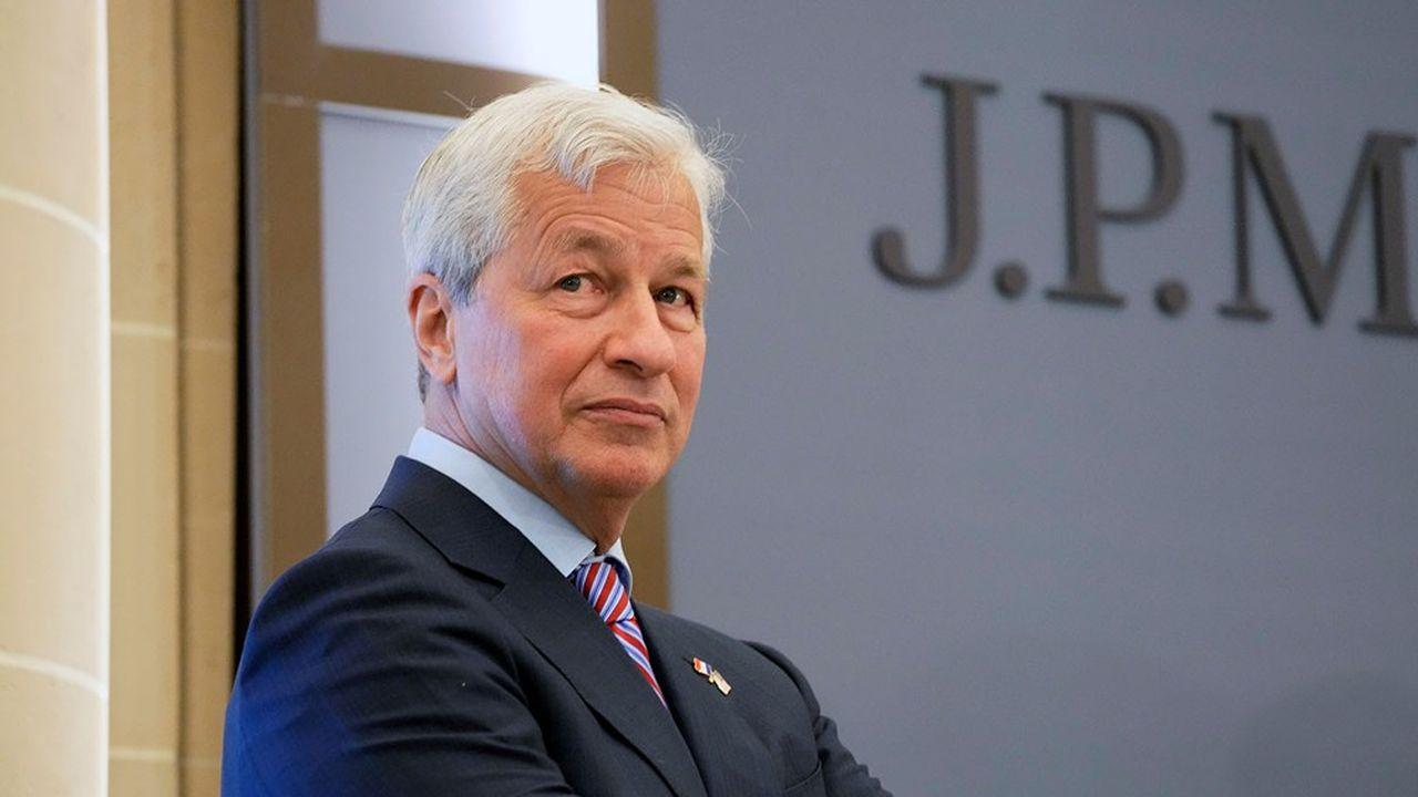 In carica da sedici anni, il boss di JP Morgan Jamie Dimon ha ricevuto un pacchetto speciale per rimanere in carica per diversi anni.