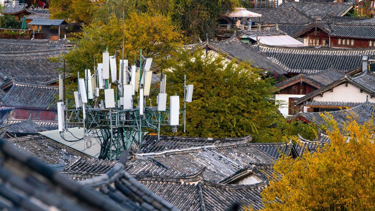 Des antennes 5G dans la vieille ville de Lijiang, au sud-est du pays. La Chine a allumé presque 1million d'antennes 5G.