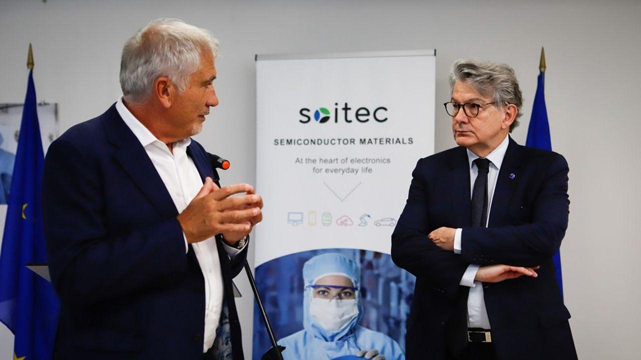 Thierry Breton, commissaire européen en visite chez Soitec, avec Paul Boudre, directeur général de Soitec, à Bernin, le 21juillet 2021.