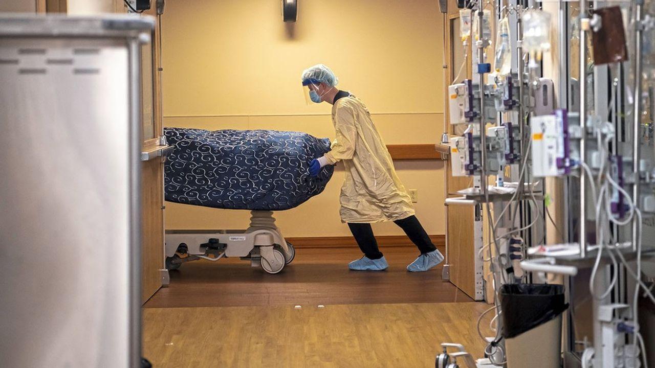 L'espérance de vie a reculé de 3,7 ans chez les hommes hispaniques, particulièrement explosés au virus.