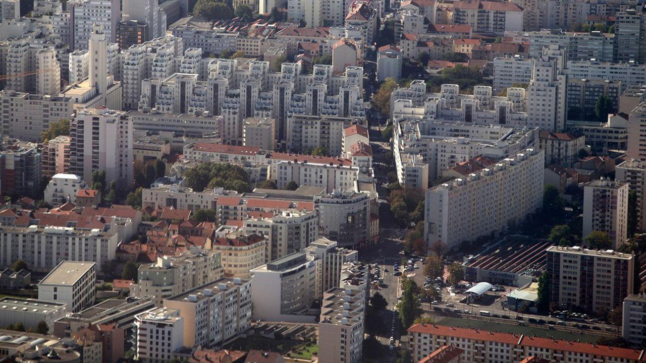 Le maire de Villeurbanne veut investir davantage pour adapter la ville aux transitions sociales et écologiques