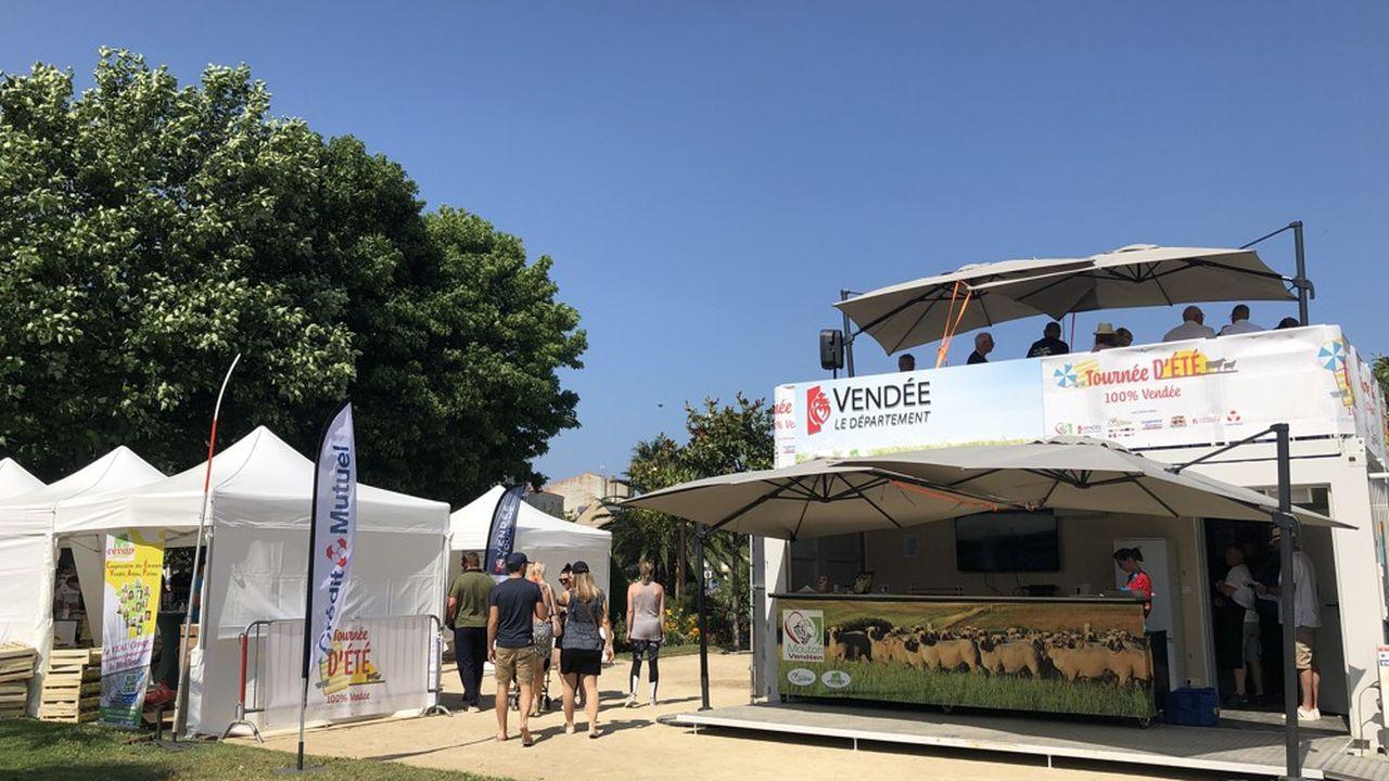 La tournée des produits du terroir vendéen se tient aux Sables d'Olonne jusqu'au 25juillet puis à Saint-Gilles-Croix-de-Vie du 3 au 7août.