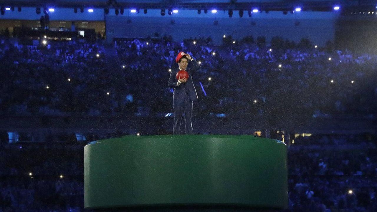 « Japan is back», ne cessait de marteler le Premier ministre Shinzo Abe, apparu déguisé en Super Mario à la fin des Jeux de Rio.
