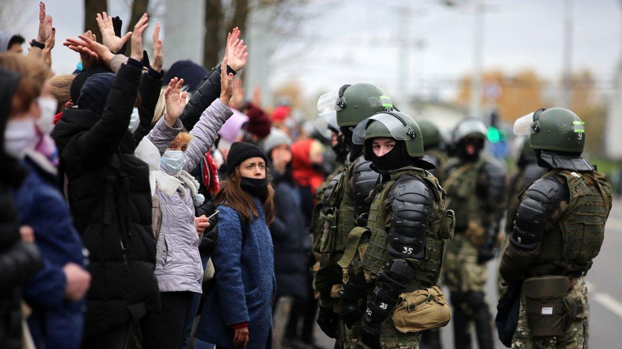 Les manifestations, commencées en août, ont été le théâtre d'une violente répression qui s'est ensuite étendue au reste de la société.