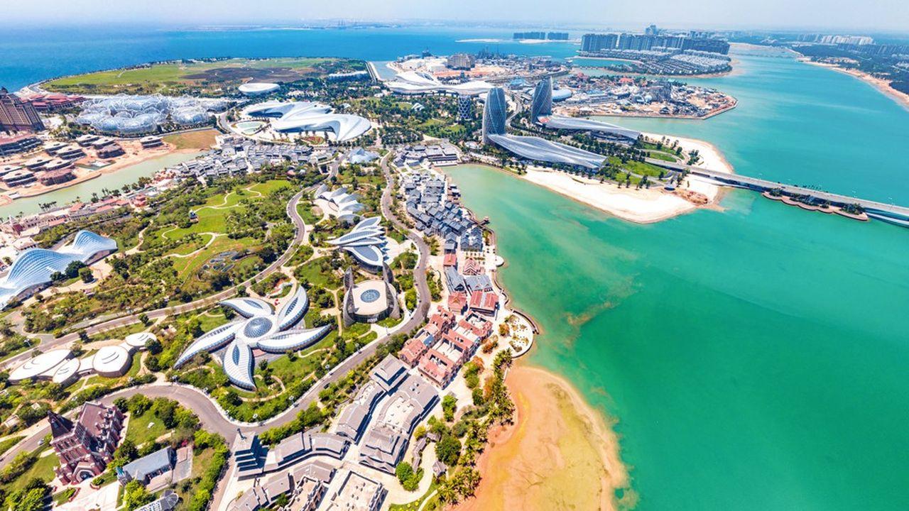 «Ocean Flower Island», un parc de loisirs construit et opéré par Evergrande, a ouvert début 2021 dans la province du Hainan.