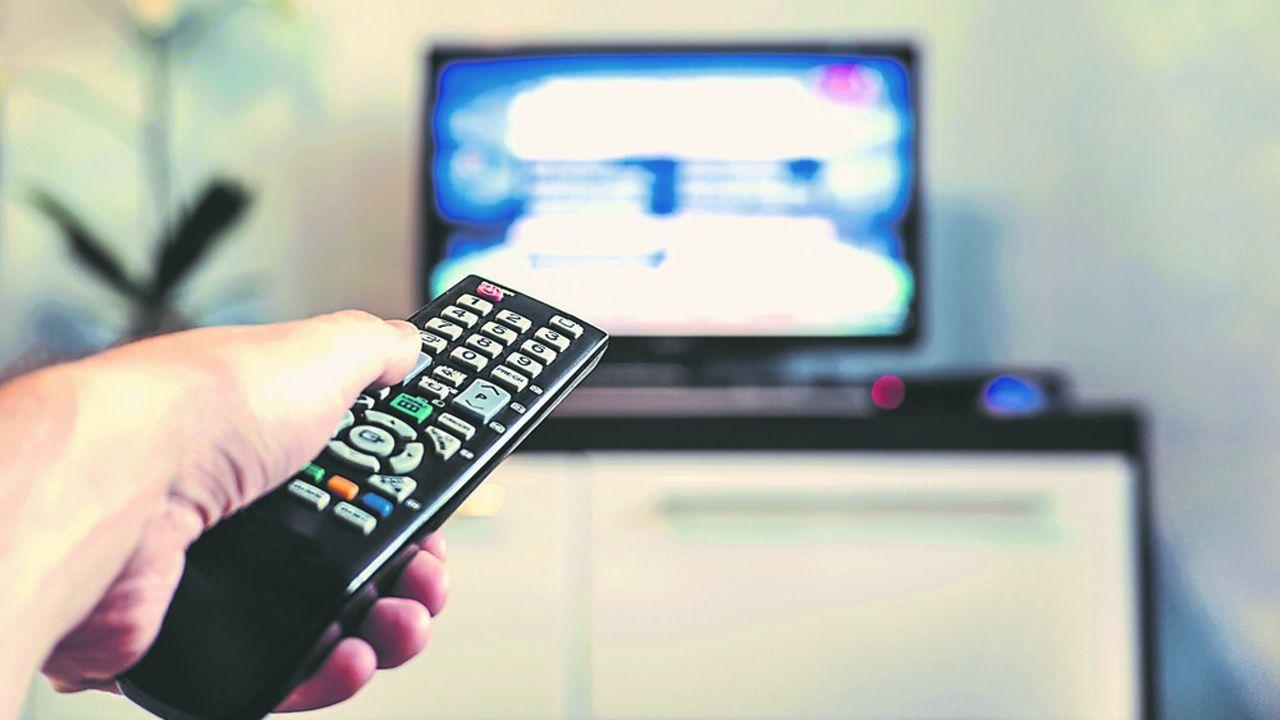 Le principal but de la mesure est de remettre sur un pied d'égalité les chaînes de télévision, par rapport aux géants du streaming.