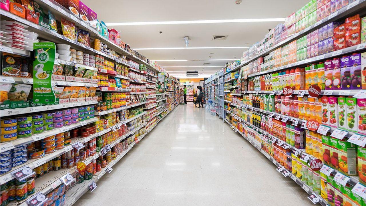 Les protections hygiéniques Tampax et les couches Pampers chez Procter & Gamble, le ketchup de Kraft Heinz ou les produits Coca-Cola… Les augmentations de prix se sont succédé ces derniers mois dans la grande distribution.