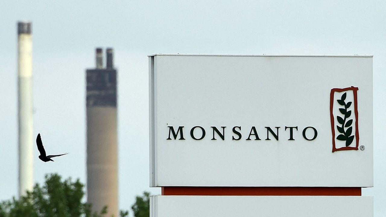 En France, plus de 200 personnes se sont vues attribuer une note allant de 1 à 5 selon leurs prises de position sur les pesticides ou les OGM.