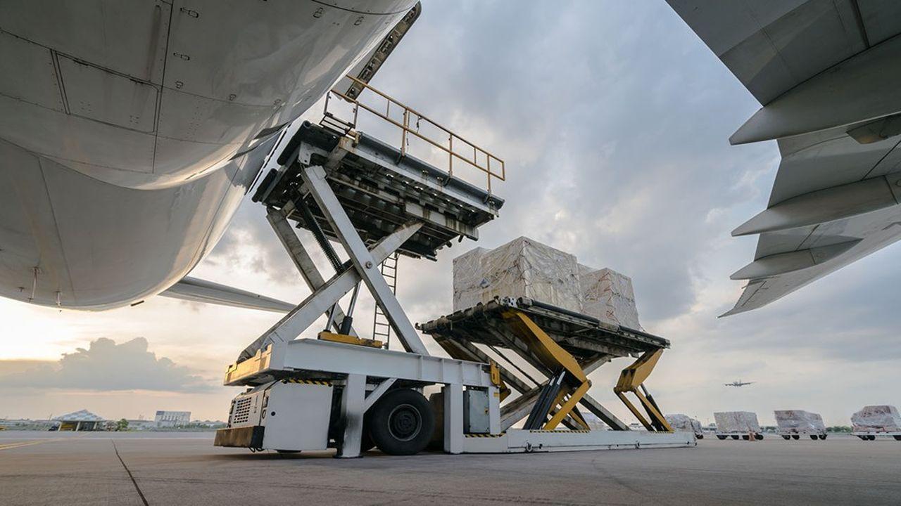 Le fret aérien vit un essor très important depuis la crise sanitaire. Les tensions dans le transport maritime et l'envol des prix rendent l'aérien compétitif.