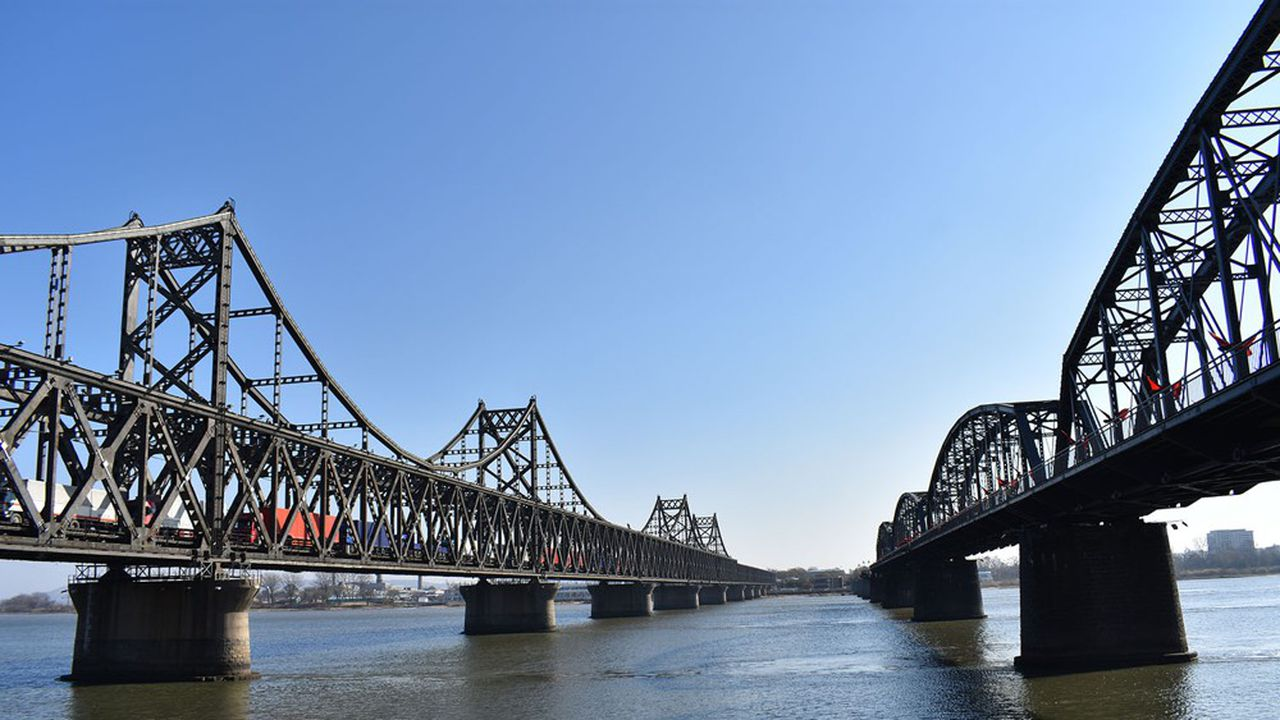 Pyongyang a dès l'annonce des premières infections par Pékin, fermé ses frontières, avec la Chine, son premier partenaire commercial