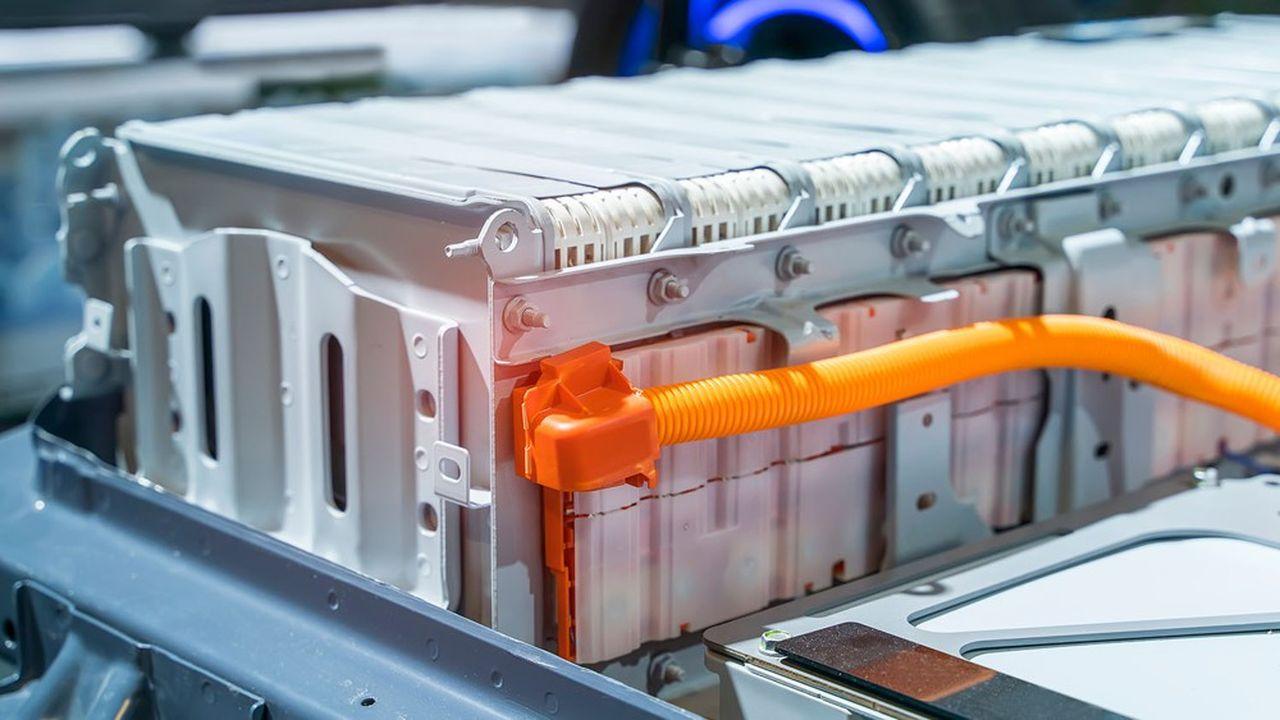 Le lithium a le vent en poupe: cette matière première est le principal composant des batteries de voitures électriques.