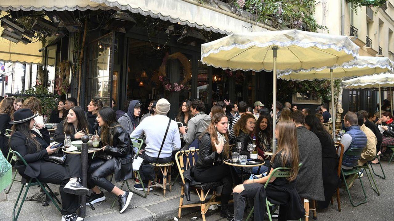 La consommation a tiré la croissance. Le déconfinement a provoqué un très fort rebond des dépenses d'hébergement et restauration lié à la réouverture progressive des bars et restaurants.